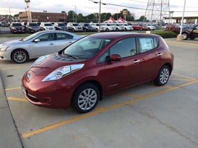 2015 Nissan LEAF lease in Bloomington,IL - Swapalease.com