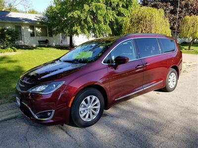 2017 Chrysler Pacifica lease in Marion,IA - Swapalease.com