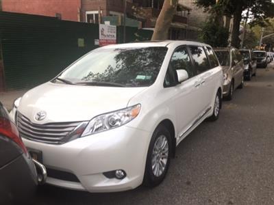 2017 Toyota Sienna lease in Brooklyn,NY - Swapalease.com