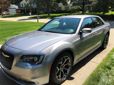 2015 Chrysler 300 lease in Rochester Hills,MI - Swapalease.com