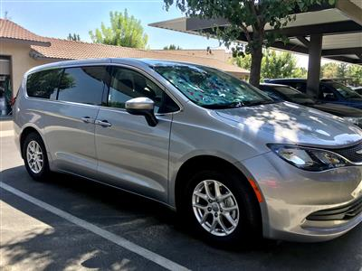 2017 Chrysler Pacifica lease in Bakersfield,CA - Swapalease.com
