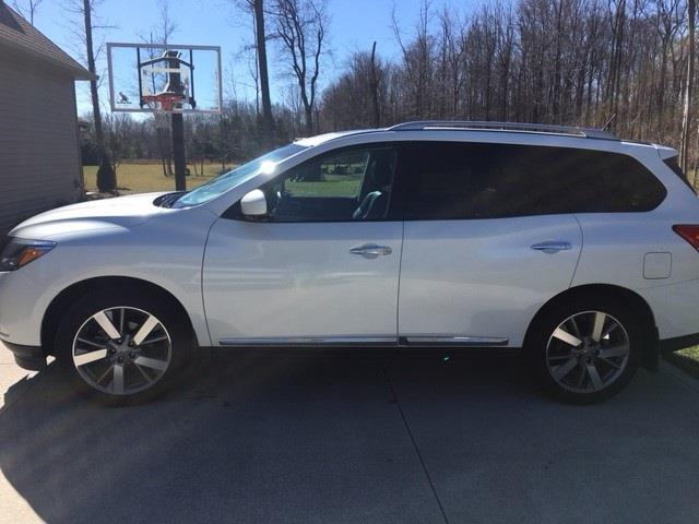 img lease nissan highlights pathfinder features styles