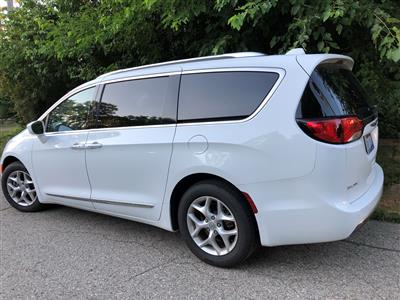 2017 Chrysler Pacifica lease in Waterford,MI - Swapalease.com