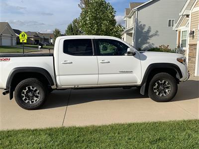 2017 Toyota Tacoma lease in Cedar Rapids,IA - Swapalease.com