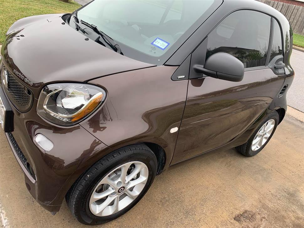 You Can Lease This Smart Fortwo Electric Drive For 270 35 A Month 20 Months Average 1 576 Miles Per The Balance Of Or