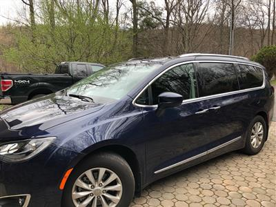 2018 Chrysler Pacifica lease in Foxboro,MA - Swapalease.com