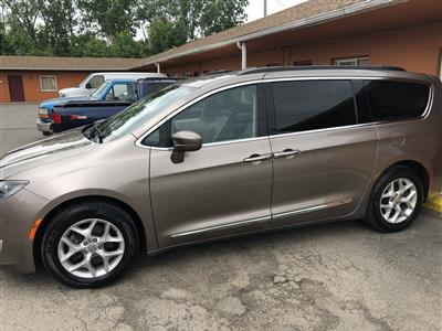 2017 Chrysler Pacifica lease in Dearborn ,MI - Swapalease.com