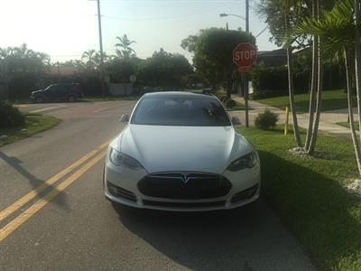 2015 Tesla Model S lease in Aventura,FL - Swapalease.com