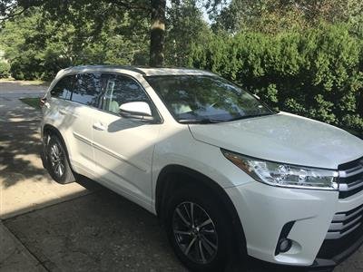2017 Toyota Highlander lease in Beachwood,OH - Swapalease.com