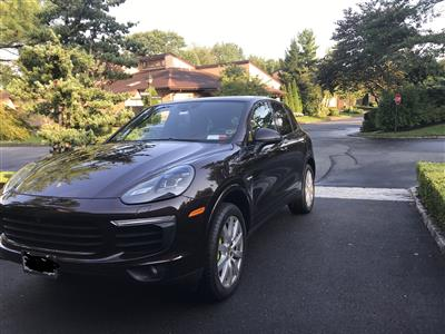 2017 Porsche Cayenne lease in Roslyn,NY - Swapalease.com