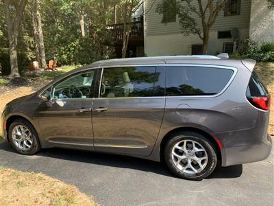 2017 Chrysler Pacifica lease in Blue Bell,PA - Swapalease.com