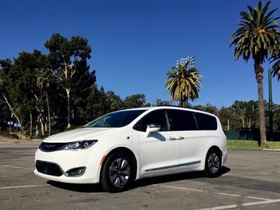 2018 Chrysler Pacifica Hybrid lease in LOS ANGELES,CA - Swapalease.com