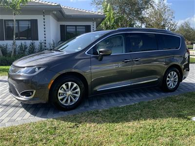 2018 Chrysler Pacifica lease in DAVIE,FL - Swapalease.com