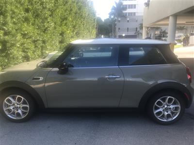 2019 MINI Hardtop 2 Door lease in North Bay Village,FL - Swapalease.com