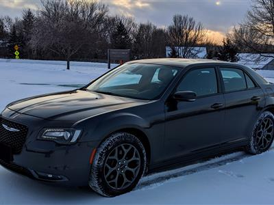 2018 Chrysler 300 lease in Shakopee,MN - Swapalease.com