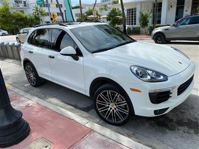2017 Porsche Cayenne lease in Miami Beach,FL - Swapalease.com