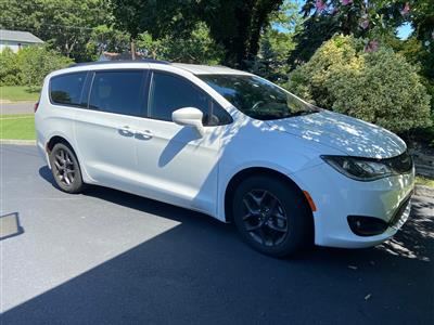 2019 Chrysler Pacifica lease in Sayville,NY - Swapalease.com