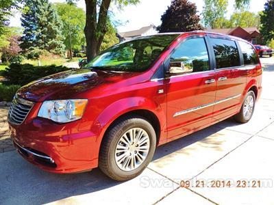2014 Chrysler Town and Country lease in Farmington Hills,MI - Swapalease.com