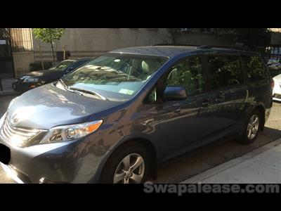 2014 Toyota Sienna lease in Englewood,NJ - Swapalease.com